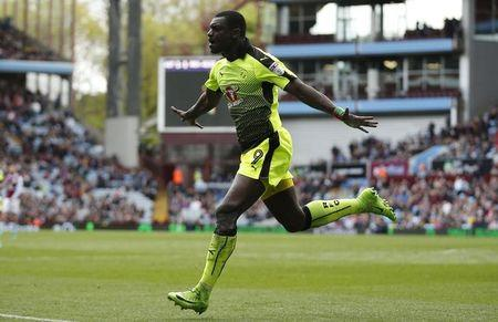 Joseph Mendes celebrates scoring the second goal for Reading