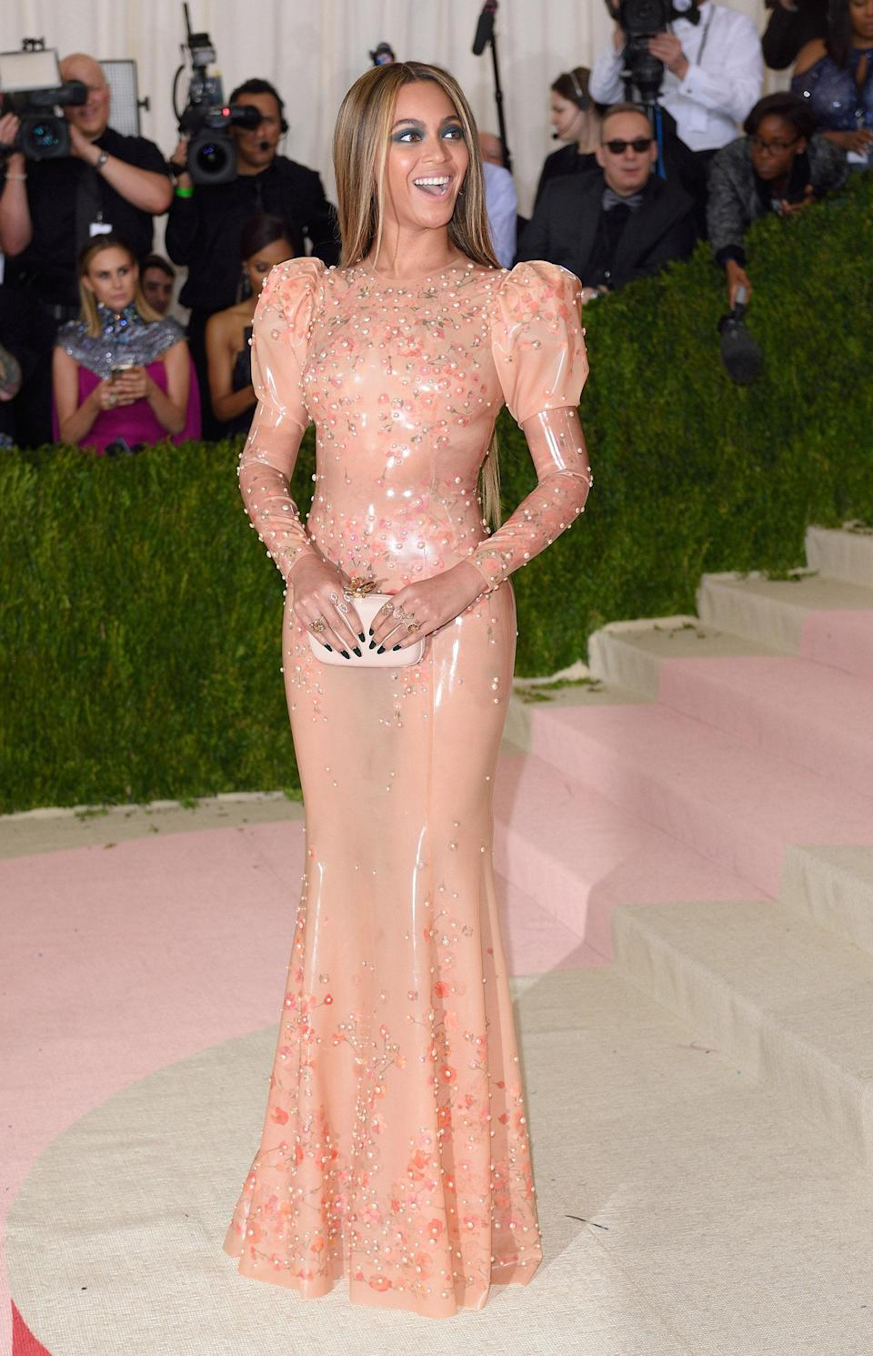 """<h1 class=""""title"""">Beyonce in Givenchy, 2016</h1><cite class=""""credit"""">Photo: Getty Images</cite>"""