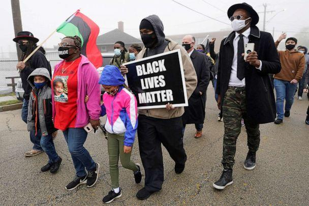 PHOTO: People march during a protest rally for Marcellis Stinnette who was killed by Waukegan Police in Waukegan, Ill., Oct. 22, 2020. (Nam Y. Huh/AP, FILE)