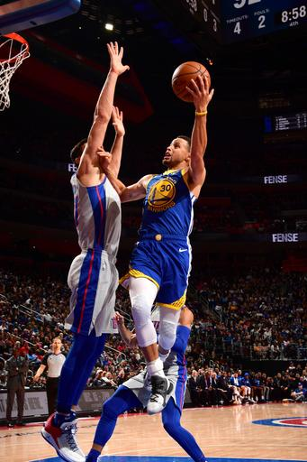 Griffin, Drummond lead Pistons over Curry, Warriors 111-102