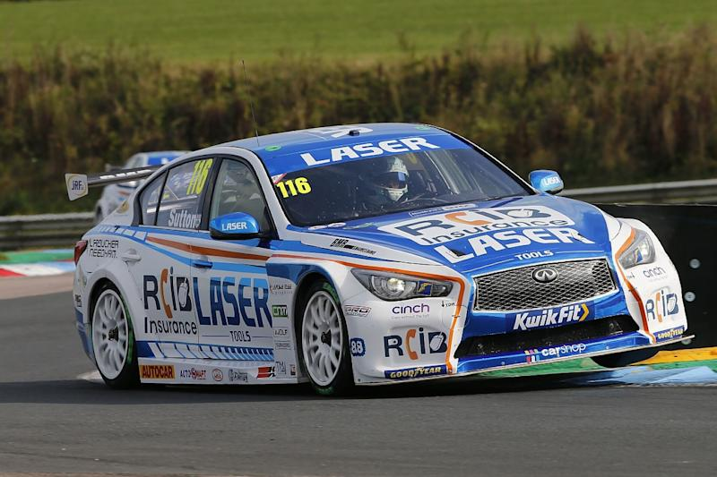 Ingram fends off Cammish for Thruxton win