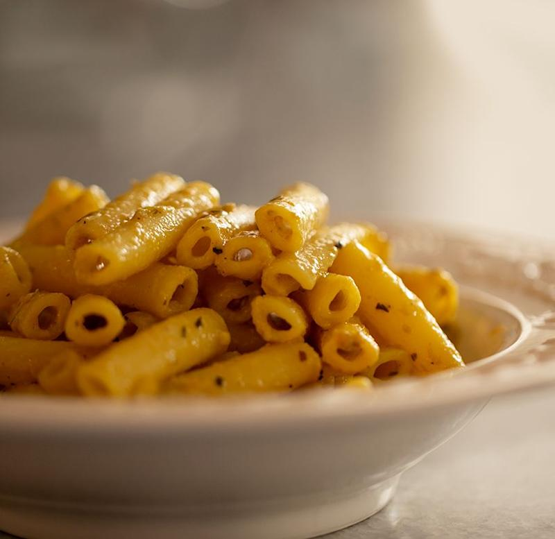 """<a href=""""https://healthyhappylife.com/easy-garlic-butter-pasta/"""" target=""""_blank"""" rel=""""noopener noreferrer""""><strong>Get the Easy Garlic Butter Pasta recipe from Healthy Happy Life.</strong></a>"""