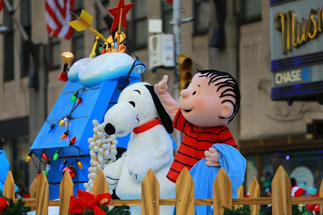 <p>The Snoopy's Doghouse float hosts a cast of your favorite characters from the Peanuts series in the 91st Macy's Thanksgiving Day Parade in New York, Nov. 23, 2017. (Photo: Gordon Donovan/Yahoo News) </p>