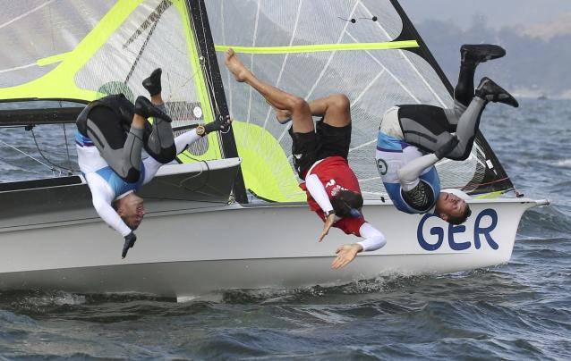 2016 Rio Olympics - Sailing - Final - Men's Skiff - 49er - Medal Race - Marina de Gloria - Rio de Janeiro, Brazil - 18/08/2016. Erik Heil (GER) of Germany and Thomas Ploessel (GER) of Germany celebrate bronze medal. REUTERS/Benoit Tessier FOR EDITORIAL USE ONLY. NOT FOR SALE FOR MARKETING OR ADVERTISING CAMPAIGNS.