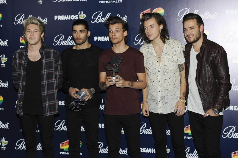 MADRID, SPAIN - DECEMBER 12: (L-R) Niall Horan, Zayn Malik, Louis Tomlinson, Harry Styles and Liam Payne of One Direction attend the '40 Principales' awards 2014 ceremony on December 12, 2014 in Madrid, Spain. (Photo by Europa Press/Europa Press via Getty Images)