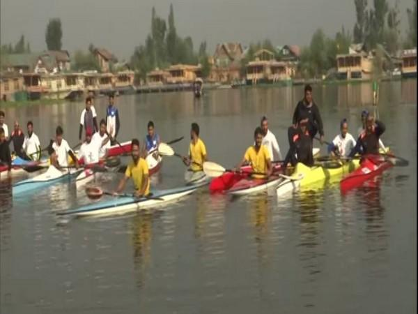 Jammu and Kashmir Tourism Department organised sports activities on the occasion of World Tourism Day at Dal Lake, Srinagar on Sunday. (Photo/ANI)