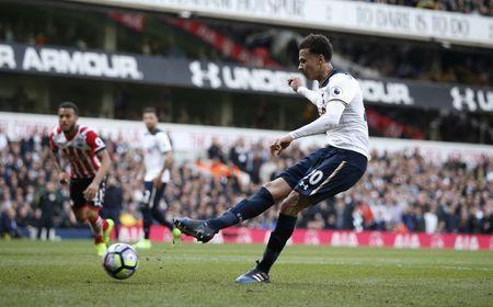 Britain Soccer Football - Tottenham Hotspur v Southampton - Premier League - White Hart Lane - 19/3/17 Tottenham's Dele Alli scores their second goal from the penalty spot Action Images via Reuters / Andrew Couldridge Livepic