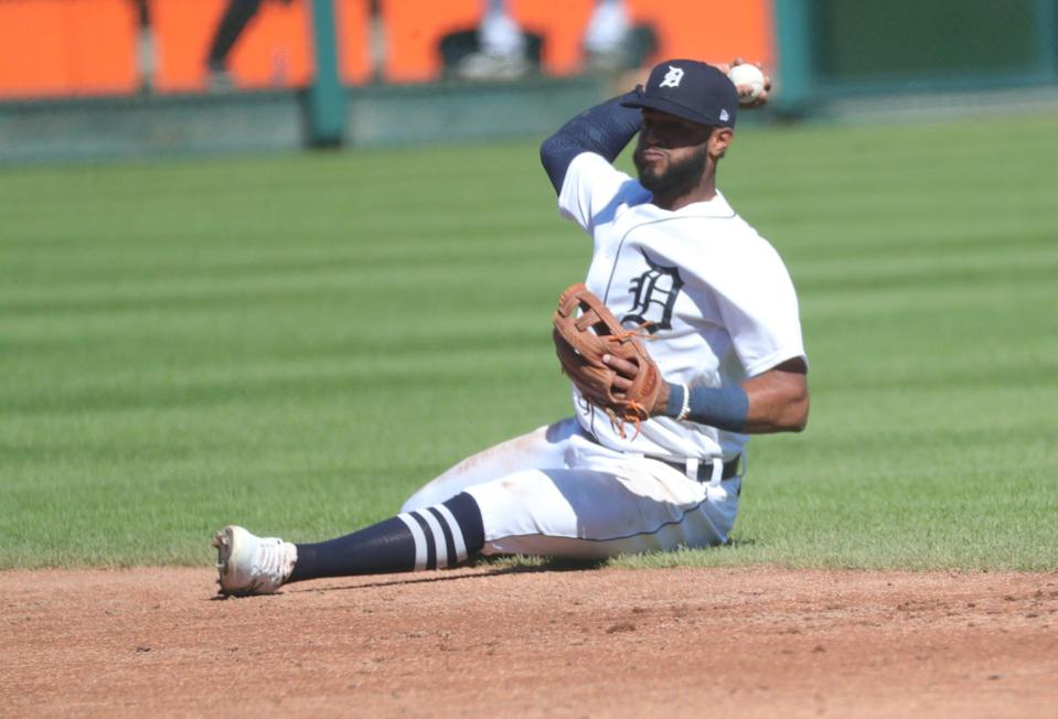 Detroit Tigers shortstop Willi Castro (9) throws out New York Yankees second baseman DJ LeMahieu (26) at first base during third inning action Saturday, May 29, 2021, at Comerica Park in Detroit, Mich.