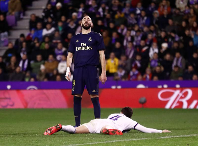 Soccer Football - La Liga Santander - Real Valladolid v Real Madrid - Estadio Jose Zorrilla, Valladolid, Spain - January 26, 2020 Real Madrid's Karim Benzema reacts after missing a chance to score REUTERS/Juan Medina