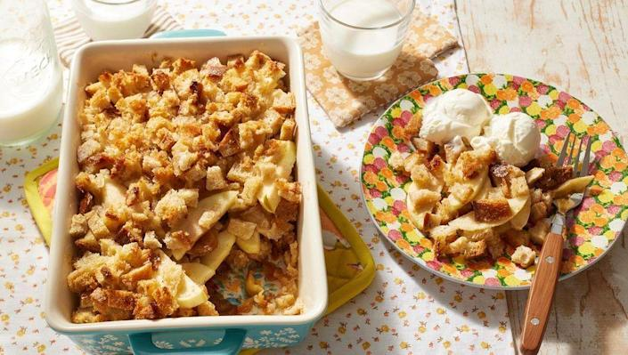 """<p>Like many apple desserts, this one tastes even better with a scoop of vanilla ice cream. Of course, cinnamon ice cream or even whipped cream would be great too.</p><p> <strong><a href=""""https://www.thepioneerwoman.com/food-cooking/recipes/a9715/apple-brown-betty-sweet-light-yummy/"""" rel=""""nofollow noopener"""" target=""""_blank"""" data-ylk=""""slk:Get the recipe."""" class=""""link rapid-noclick-resp"""">Get the recipe.</a></strong></p><p><strong><a class=""""link rapid-noclick-resp"""" href=""""https://go.redirectingat.com?id=74968X1596630&url=https%3A%2F%2Fwww.walmart.com%2Fsearch%2F%3Fquery%3Dpioneer%2Bwoman%2Bplates&sref=https%3A%2F%2Fwww.thepioneerwoman.com%2Ffood-cooking%2Fmeals-menus%2Fg37145681%2Feasy-apple-recipes%2F"""" rel=""""nofollow noopener"""" target=""""_blank"""" data-ylk=""""slk:SHOP PLATES"""">SHOP PLATES</a><br></strong></p>"""