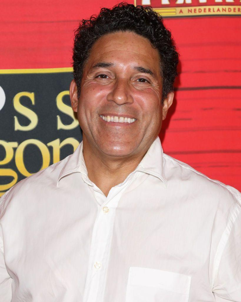 <p>Oscar continues to add comedic flair to his roles. He's been in a series of television shows and, when he's not working, spends times with his wife and child. </p>
