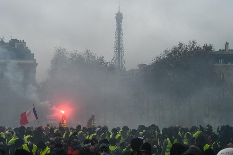 France braces for fresh violence on Saturday following chaos in Paris last weekend (AFP Photo/Lucas Barioulet                     )