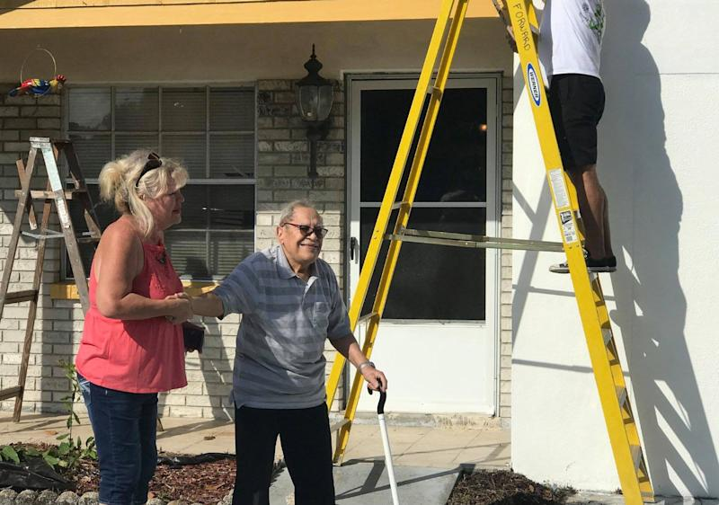 William Velez, a blind World War II veteran, expressed his gratitude to the volunteers who helped paint his home in Tampa, Florida. (Photo: Facebook)