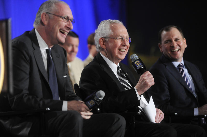 SEC's new network with ESPN to debut in 2014