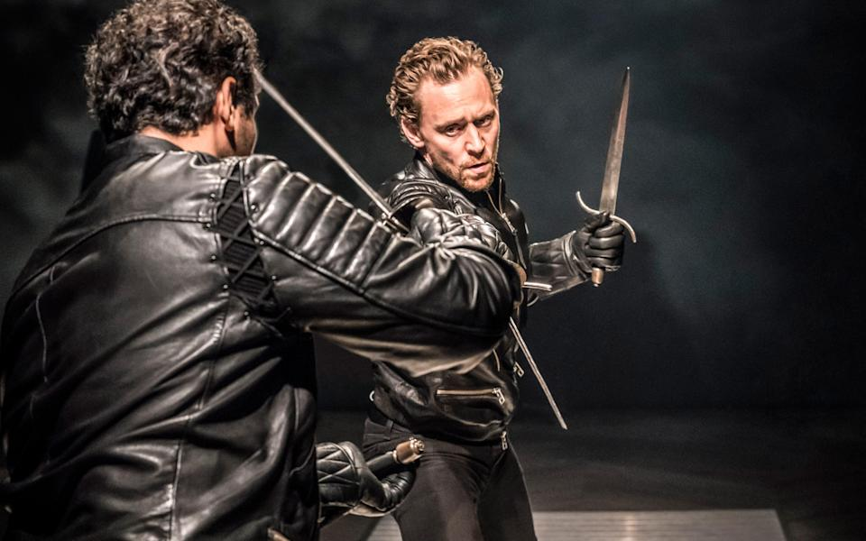 The climactic fight scene in Hiddleston's Hamlet was singled out for praise by first-night punters - Johan Persson
