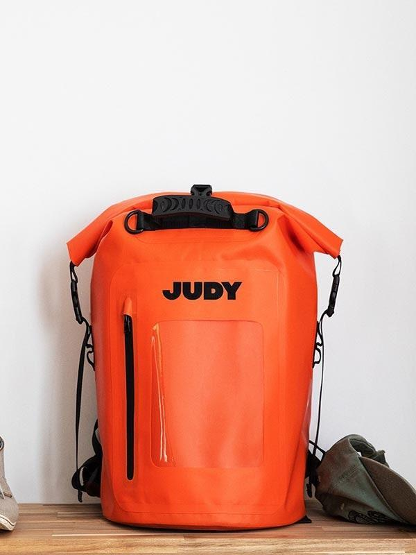 """If you want to gift something a bit more robust, look into Judy's <a href=""""https://www.glamour.com/story/where-to-buy-first-aid-kit?mbid=synd_yahoo_rss"""" rel=""""nofollow noopener"""" target=""""_blank"""" data-ylk=""""slk:emergency readiness kit"""" class=""""link rapid-noclick-resp"""">emergency readiness kit</a>. It has all the essentials to support a family of four for three days—conveniently housed in a backpack. $180, Judy. <a href=""""https://judy.co/products/the-mover-max"""" rel=""""nofollow noopener"""" target=""""_blank"""" data-ylk=""""slk:Get it now!"""" class=""""link rapid-noclick-resp"""">Get it now!</a>"""