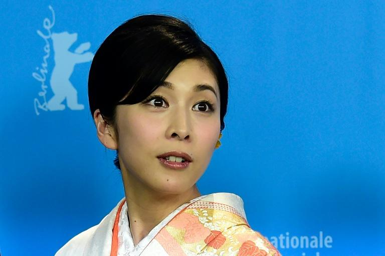Japan government warns on suicide after death of actress