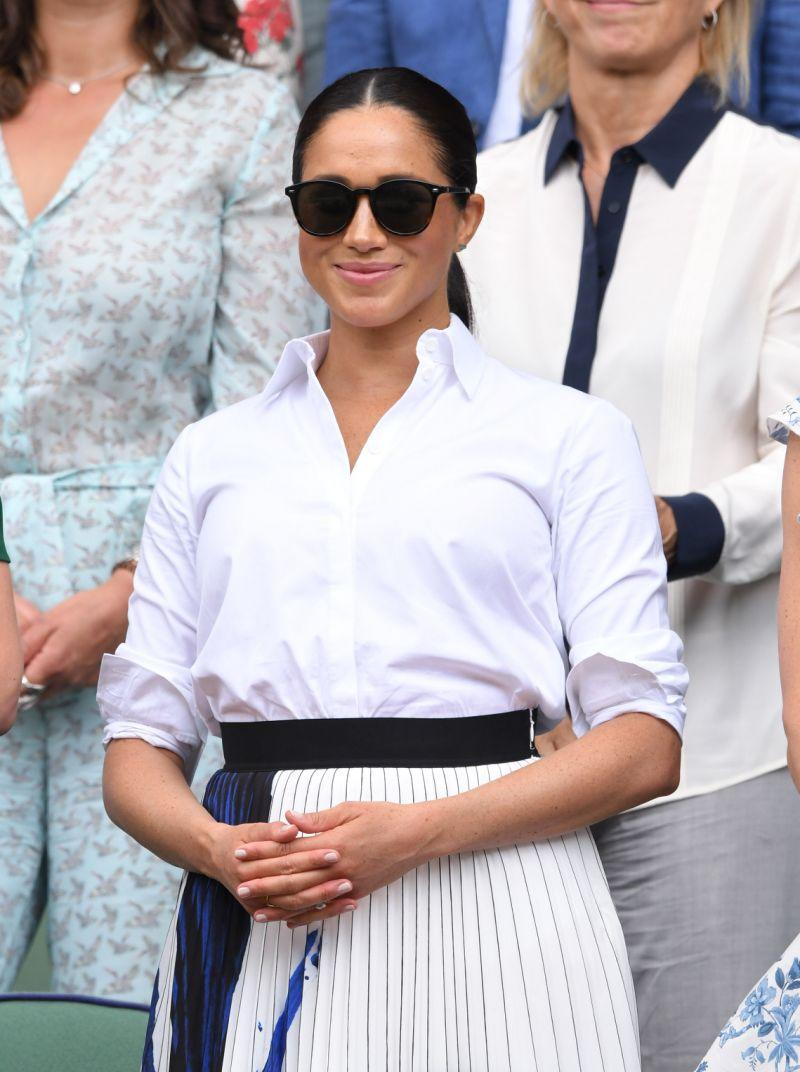 Meghan Markle seen wearing the Le Specs Bandwagon sunglasses. Photo by Karwai Tang/Getty Images.