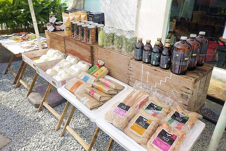 A display of local handcrafted foodstuffs at Pingmin Market.