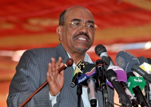 Omar al-Bashir addresses about 1,000 oil industry workers