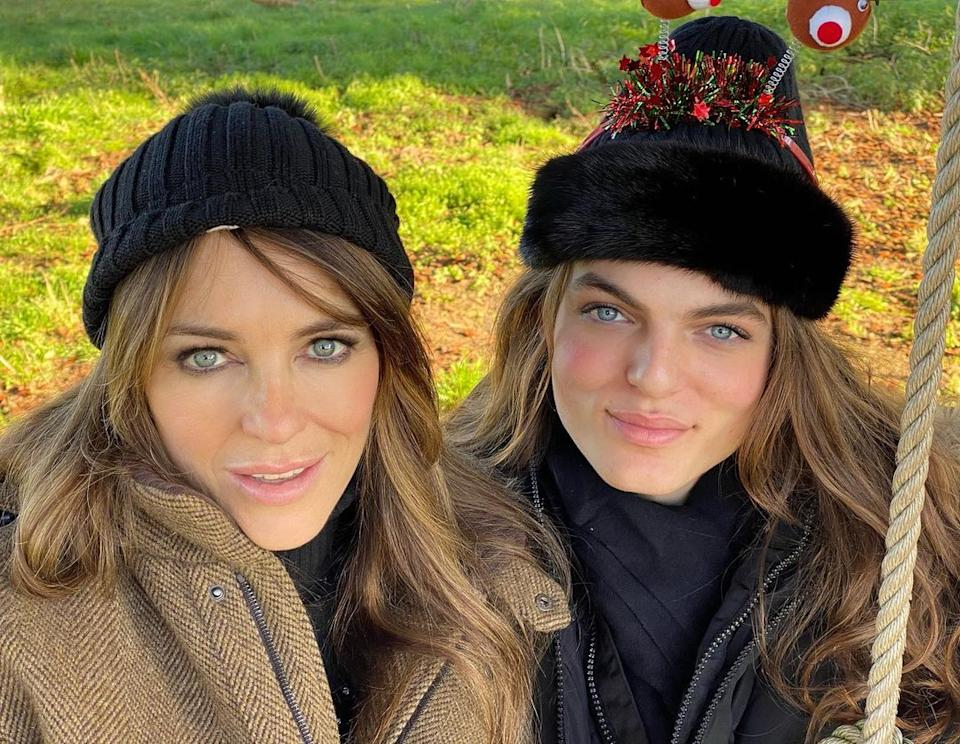 Damian with his model/actor mum, Liz Hurley, at Christmas in 2019. Photo: Instagram/damianhurley1.