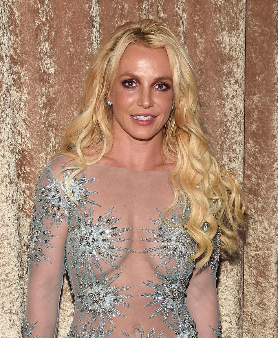 <p>By 2017, it was back to long hair and (you guessed it) beach waves for Brit at a pre-Grammy Awards party. </p>
