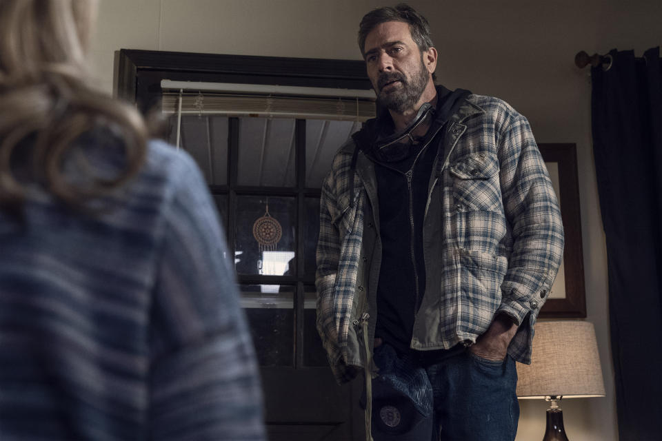 Jeffrey Dean Morgan as Negan, Hilarie Burton Morgan as Lucille - The Walking Dead _ Season 10, Episode 22 - Photo Credit: Josh Stringer/AMC