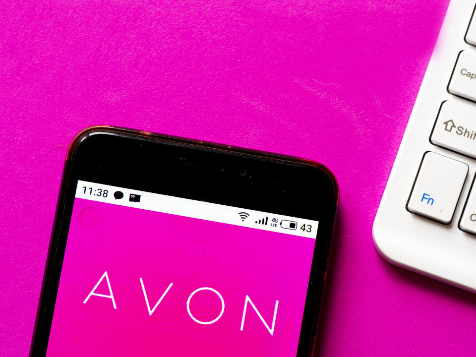 UKRAINE - 2020/05/29: In this photo illustration an Avon logo seen displayed on a smartphone. (Photo Illustration by Igor Golovniov/SOPA Images/LightRocket via Getty Images)