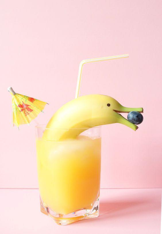 """<p>So, this is the cutest drink of all time. <i><a href=""""https://uk.pinterest.com/pin/553661347922599847/"""">[Photo: Pinterest]</a></i></p>"""