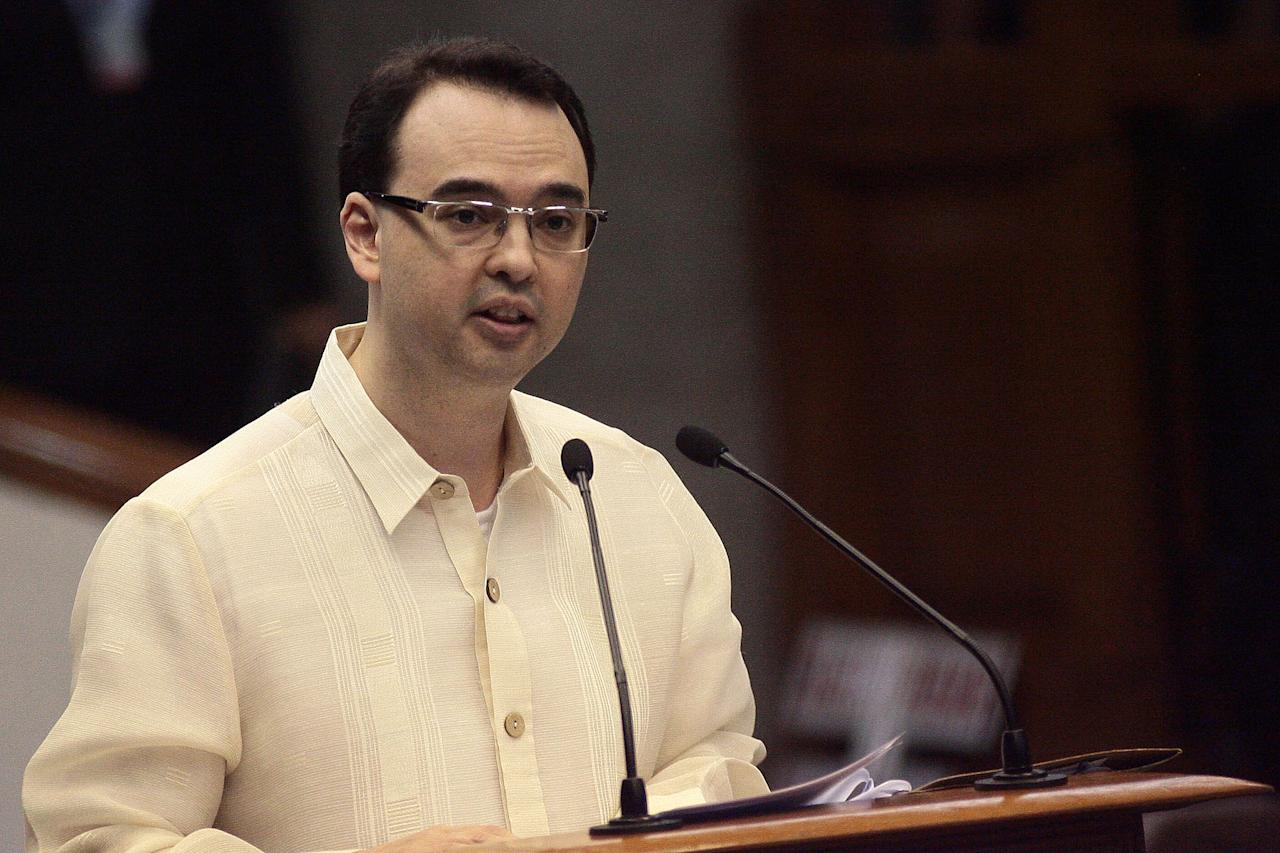 Senator Allan Peter Cayetano delivers his privilege speech during a session at the Senate, Jan. 23, 2013. (Voltaire Domingo, NPPA Images)