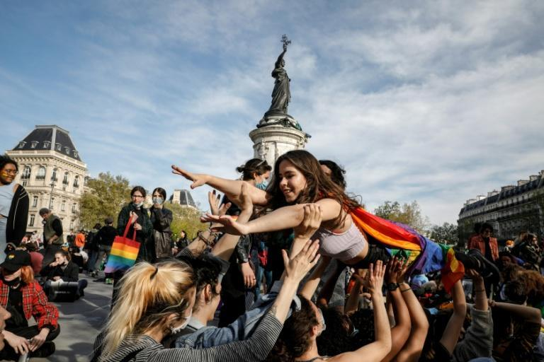 Thousands marched in first lesbian rally in Paris in decades
