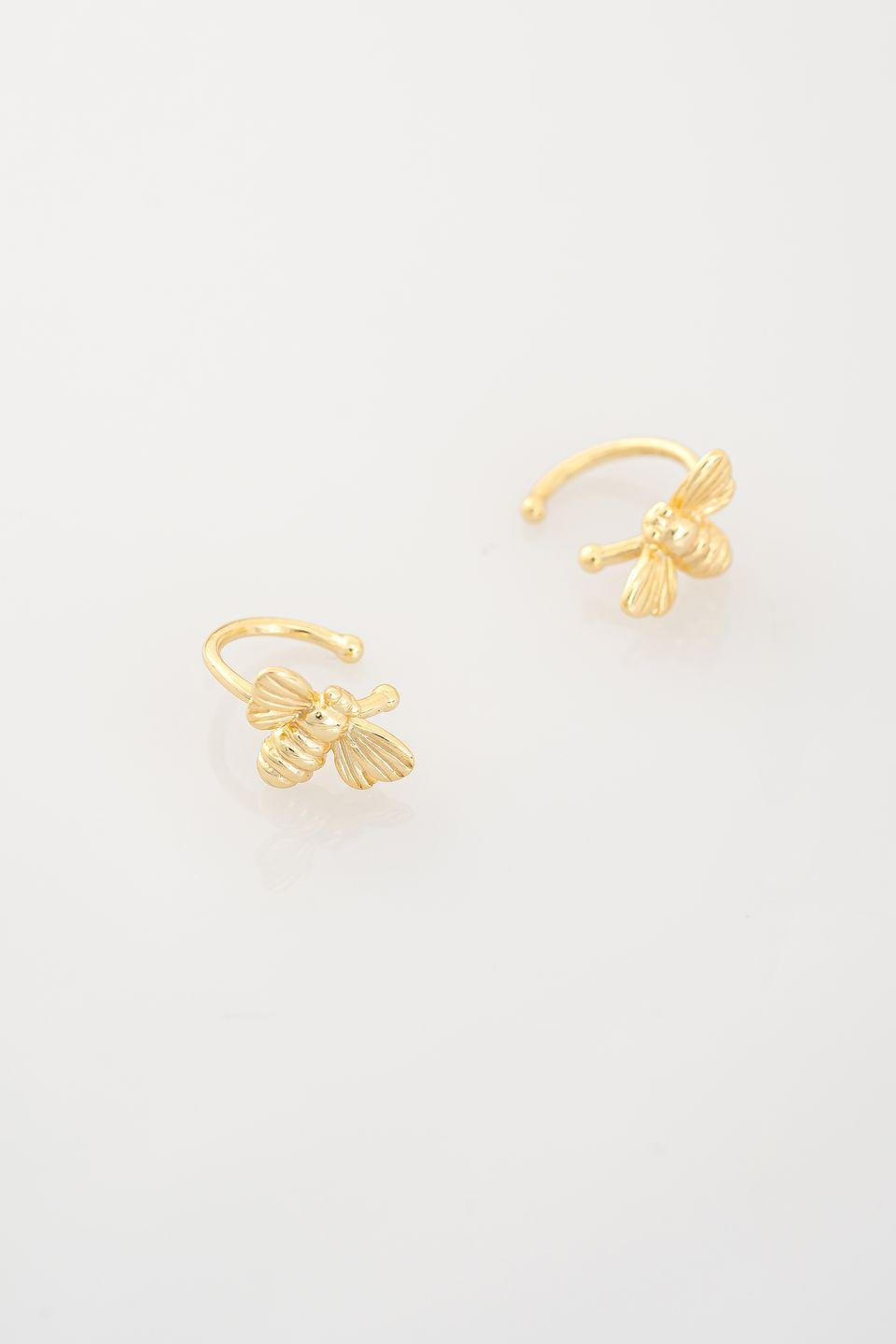 <p><em>Clip Bee Piercing Earring</em> d'argento dorato, <strong>Chiara Costacurta</strong>.</p><p>45 euro l'uno</p>