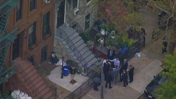 PHOTO: Police investigate a crime scene in Brooklyn, New York, where an elderly couple was robbed on Wednesday. (WABC)
