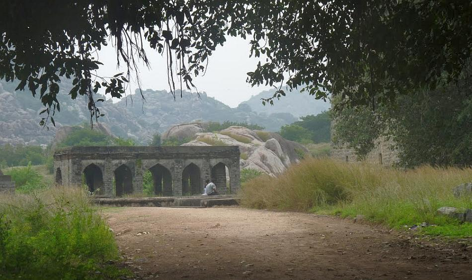 "Enclosed by walls of hillocks, the fort was one of the most strategic in southern India. Today, the ruins of centuries are well preserved.<br><br>Read the related blog post, <a target=""_blank"" href=""http://in.lifestyle.yahoo.com/blogs/traveler/gingee-fort-history-smorgasbord-090633638.html"">Gingee Fort - history's smorgasbord</a>"