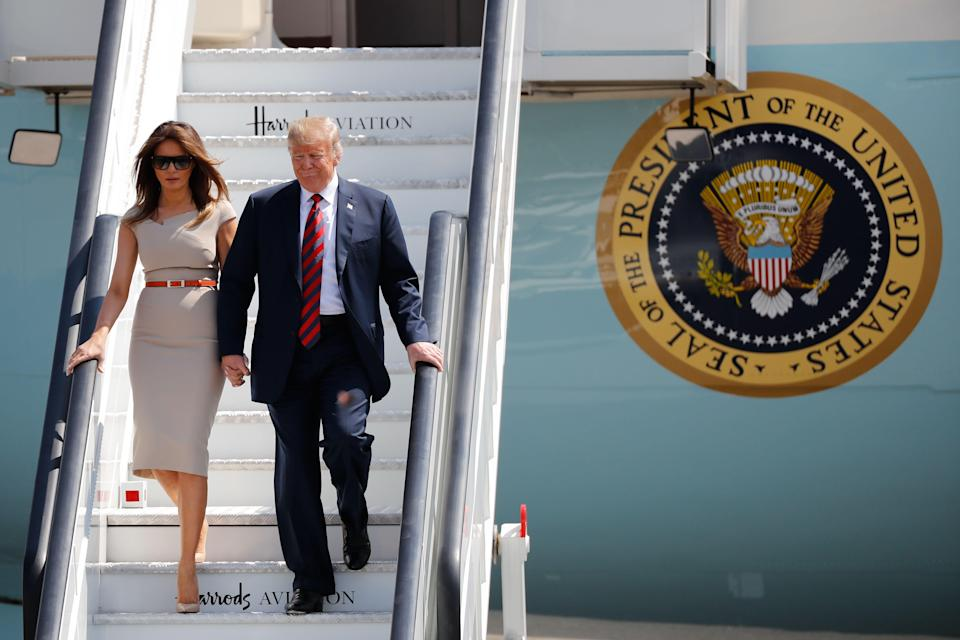 Melania Trump wore a taupe Roland Mouret and yet another pair of Louboutins. (Photo: Tolga Akmen/AFP/Getty Images)