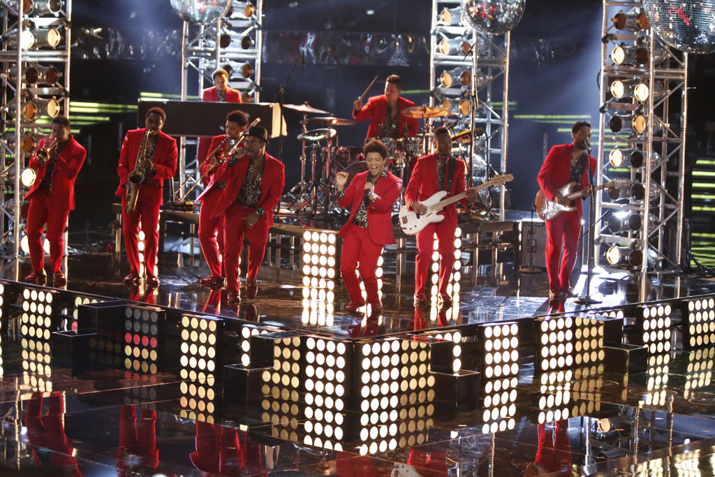 "Bruno Mars performs ""Treasure"" on the ""Live Finale"" episode of ""The Voice"" Season 4."