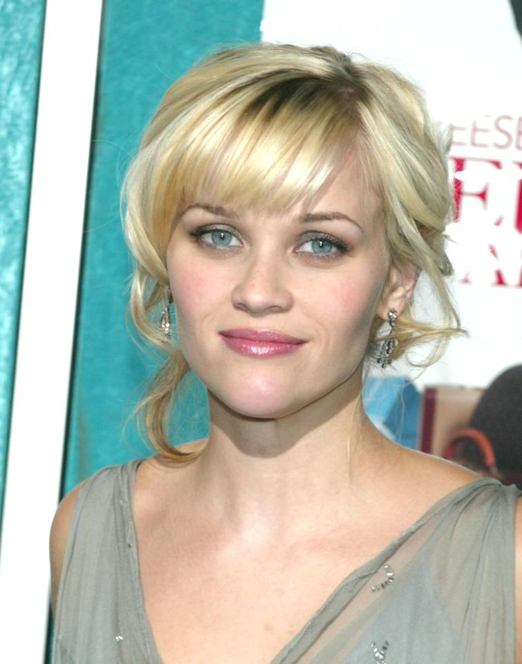 <p>In 2002, Witherspoon attended a premiere of <b>Sweet Home Alabama</b> with platinum blond hair. </p>