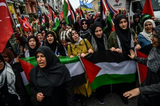 Thousands marched through Istanbul in an angry protest to denounce the bloodshed and the US decision to move its Israel embassy from Tel Aviv to Jerusalem in defiance of outrage in the Islamic world