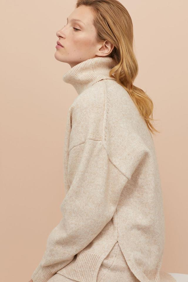"""<p>This affordable <a href=""""https://www.popsugar.com/buy/HampM-Knit-Turtleneck-Sweater-486843?p_name=H%26amp%3BM%20Knit%20Turtleneck%20Sweater&retailer=www2.hm.com&pid=486843&price=35&evar1=fab%3Aus&evar9=43950050&evar98=https%3A%2F%2Fwww.popsugar.com%2Ffashion%2Fphoto-gallery%2F43950050%2Fimage%2F46639414%2FHM-Knit-Turtleneck-Sweater&list1=shopping%2Cfall%20fashion%2Csweaters%2Cfall&prop13=api&pdata=1"""" rel=""""nofollow"""" data-shoppable-link=""""1"""" target=""""_blank"""" class=""""ga-track"""" data-ga-category=""""Related"""" data-ga-label=""""https://www2.hm.com/en_us/productpage.0754323003.html"""" data-ga-action=""""In-Line Links"""">H&amp;M Knit Turtleneck Sweater</a> ($35) is eco-friendly because it's made from recycled polyester.</p>"""