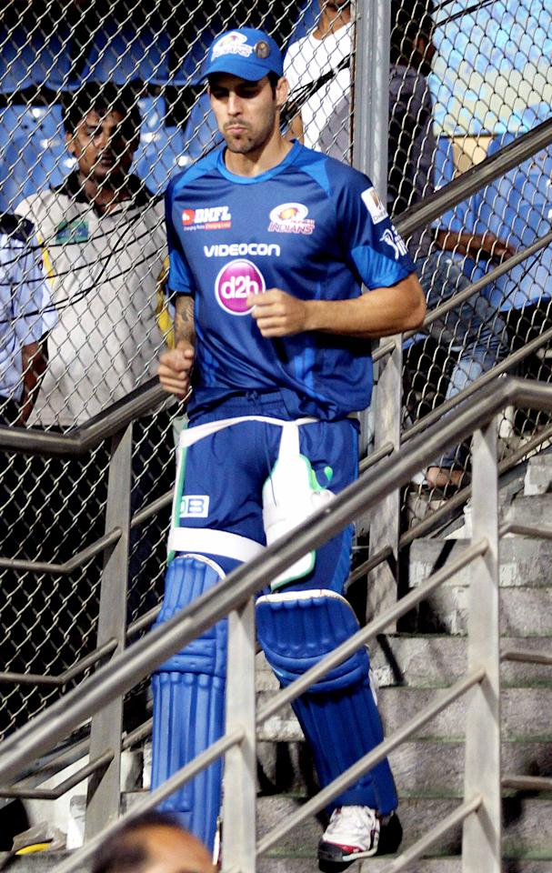 Mitchell Johnson gears up for a Mumbai Indians nets session at the Wankhede Stadium on 8 April 2013. (Yogen Shah)