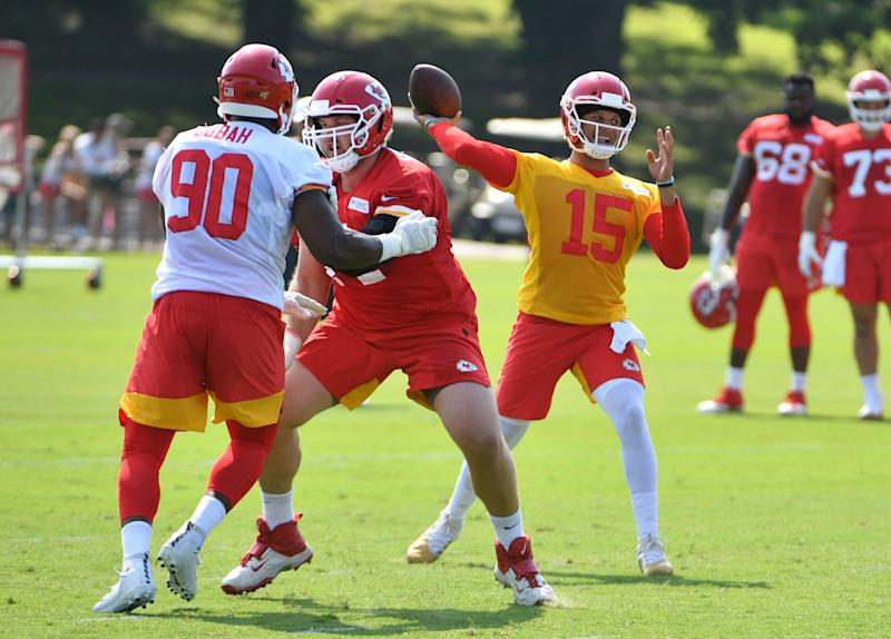 new products ecde3 2120d NFL training camp tracker: Mahomes goes deep to new target