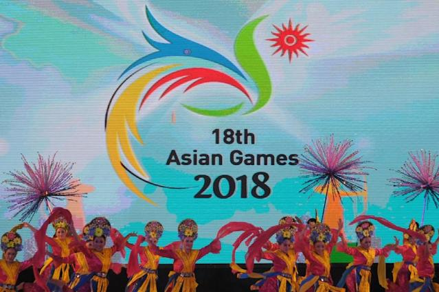 Indonesia dancers perform after Jakarta was chosen to host the 18th Asian Games in 2018 (AFP Photo/)