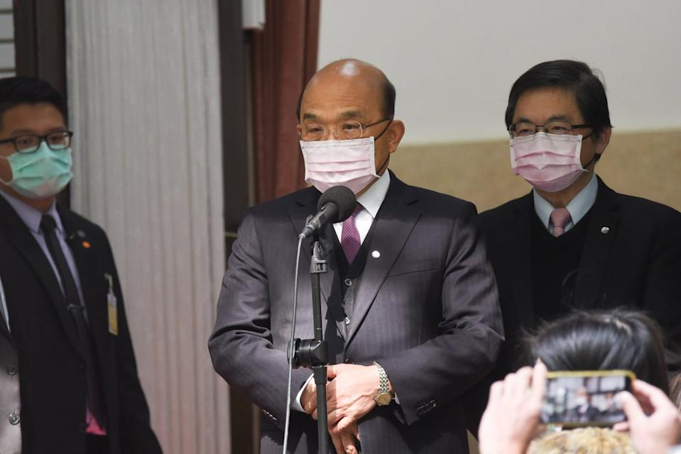Premier Su Tseng-Chang reacts during a press conference on April 14, 2020. (NOWnews)