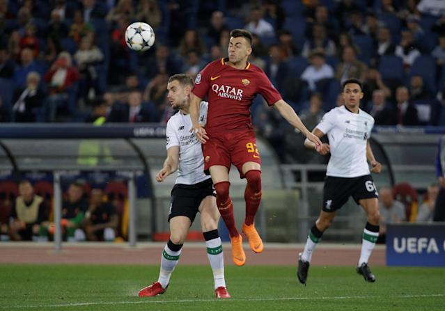 Soccer Football - Champions League Semi Final Second Leg - AS Roma v Liverpool - Stadio Olimpico, Rome, Italy - May 2, 2018 Roma's Stephan El Shaarawy in action with Liverpool's Jordan Henderson REUTERS/Max Rossi