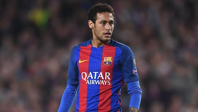 <p><strong>Total career travel: 386,448 km</strong></p> <br><p>By far the youngest player in the list, the 25-year-old Neymar will undoubtedly reach the summit if he continues his career for another decade or so. </p> <br><p>The Brazilian skipper is closing in on the 400,000km mark in terms of distance travelled in his career, with Barcelona's participation in the Champions League and Club World Cup causing the forward to reach all four corners of the world. </p>