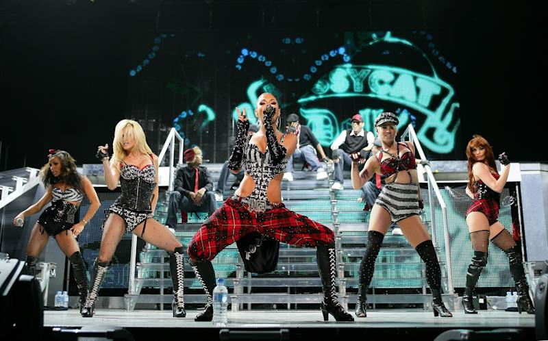SYDNEY, AUSTRALIA - MAY 22: Nicole Scherzinger (C) of the Pussycat Dolls performs on stage at the Acer Arena on on May 22, 2009 in Sydney, Australia. (Photo by Don Arnold/WireImage)