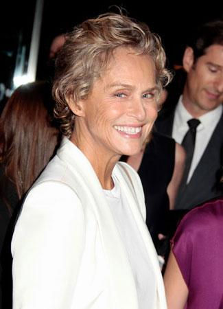 Lauren Hutton Chopped Off Her Hair With A Pair of Shears!