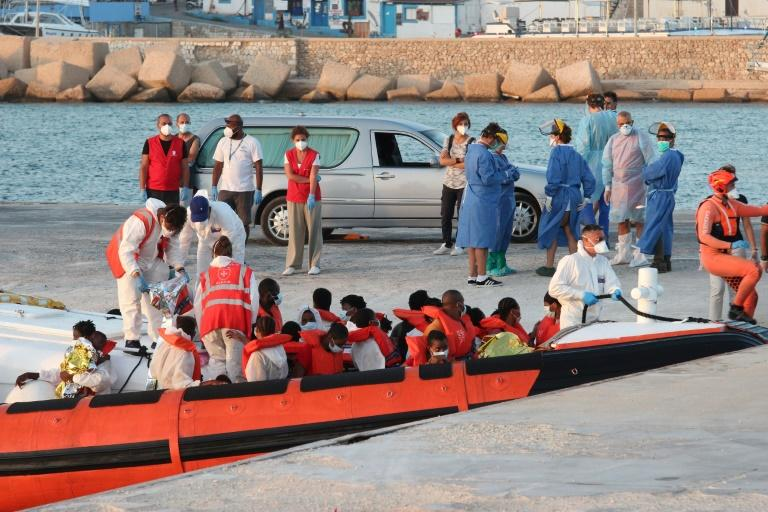 Boat carrying nearly 370 migrants reaches Italy's Lampedusa