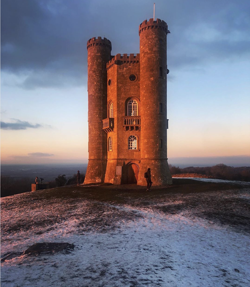"A cold and crisp evening at Broadway Tower, Worcestershire (@<a href=""https://www.instagram.com/morsh_captures/"" title=""morsh_captures"">morsh_captures</a>)"