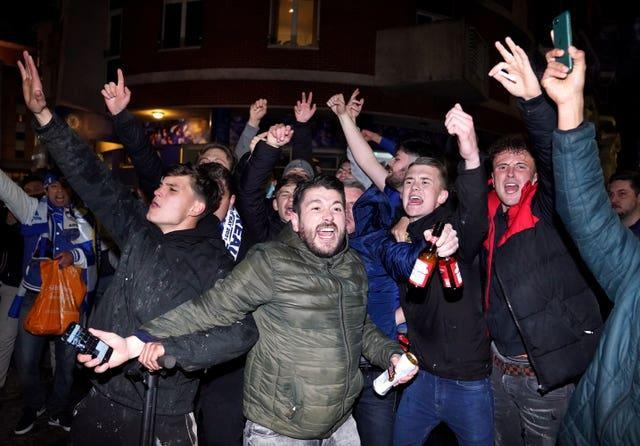 Chelsea fans, who celebrated outside Stamford Bridge after victory over Real Madrid, have been told not to travel to Turkey